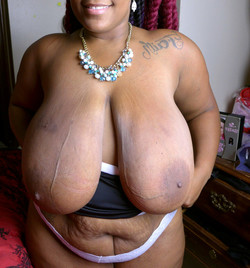 Ebony BBW Cybil Peach shows her..