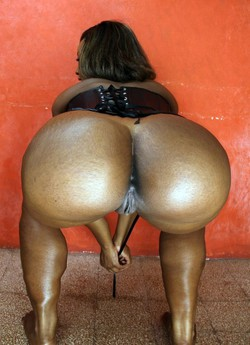 Double bubble butts, black chick with..