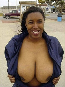 I like thick and juicy mature mom, big..